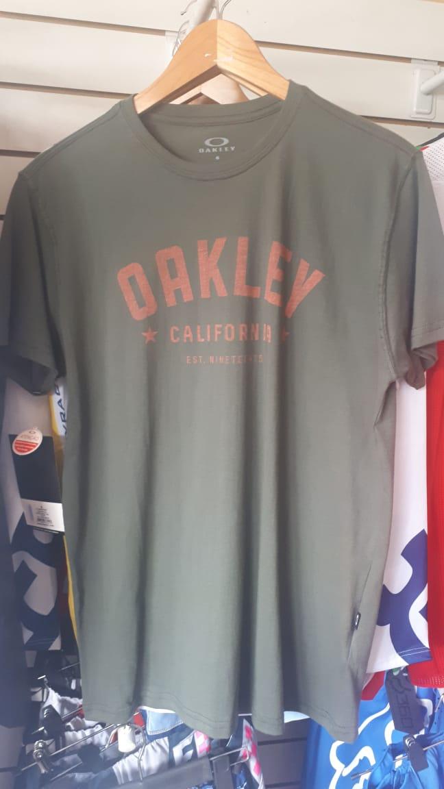 oakley remera casual dark brush talle m