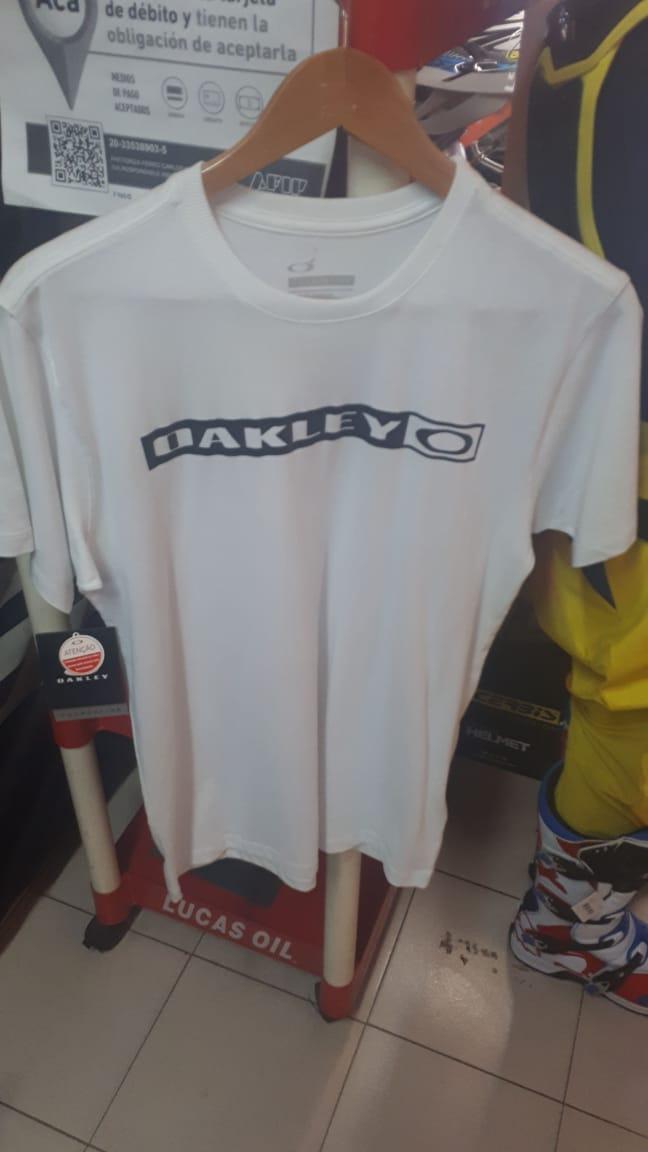 oakley remera casual white talle s