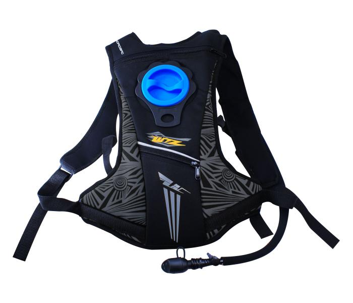 mochila agua wirtz chica negra , capacidad de 2 litros de agua